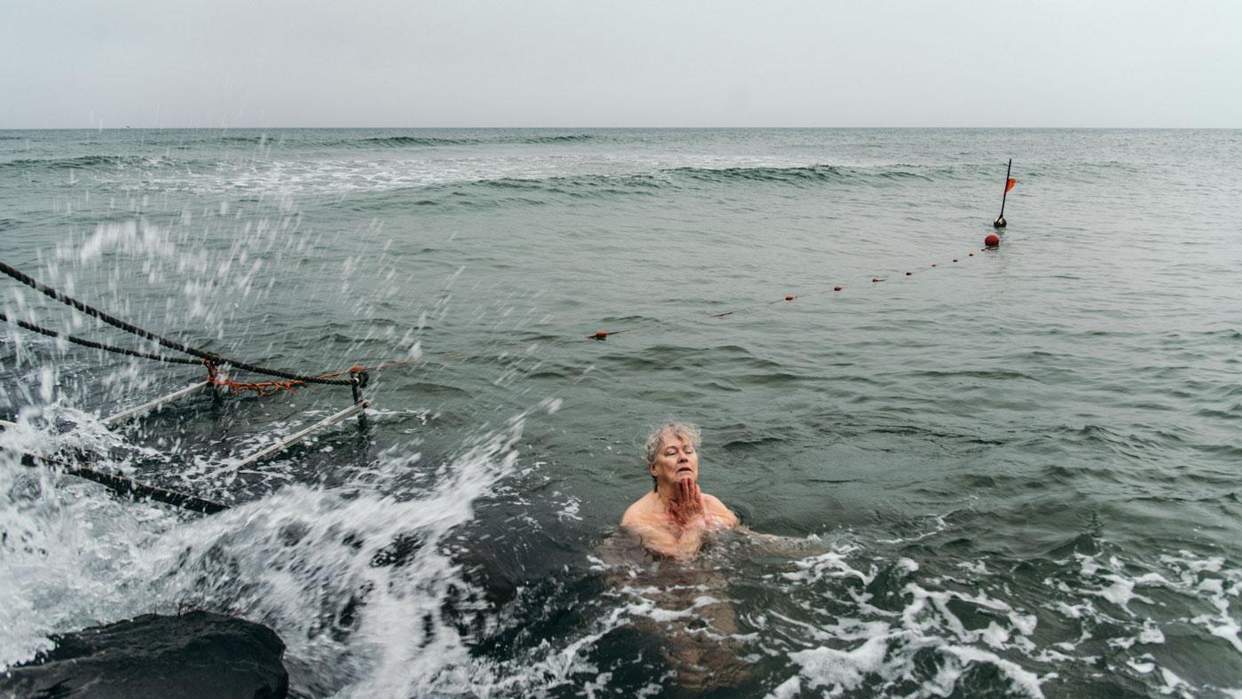 """""""Selv når det ser mørkest ud, er der en dag i morgen"""" - Birthe Westergaard, 64 år, vågekone. Bor i Gilleleje."""