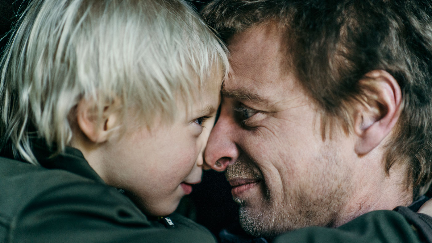 """""""Jeg blev et overmenneske, da jeg bar min døde søn i armene"""" - Hans Peder Garth Grüner, 40 år, landmand. Bor i Ringsted."""