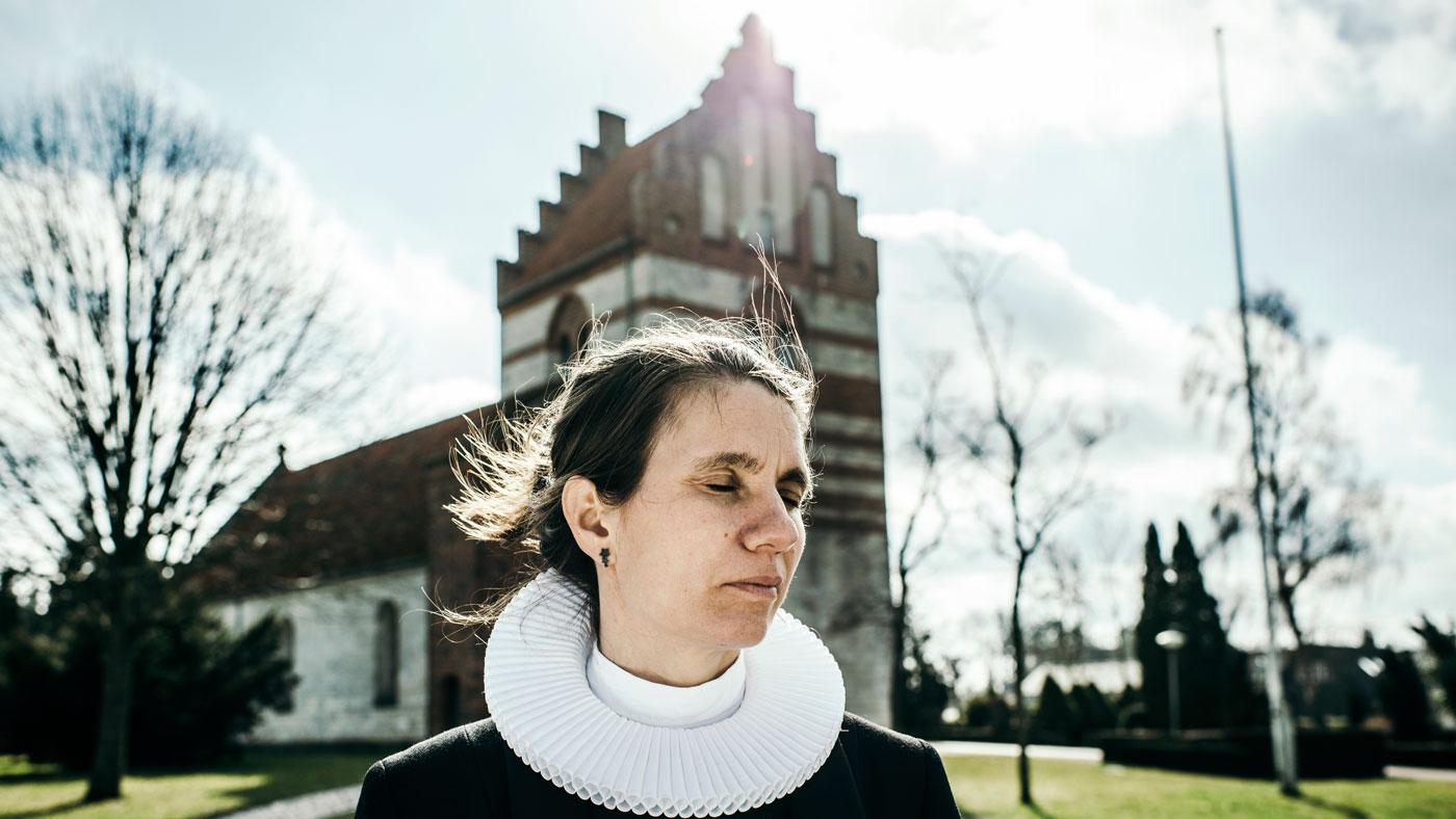 """""""Vi oplevede, at vi som mennesker er dybt afhængige af hinanden"""" - Malene Guassora, 43 år, sognepræst. Bor i Gadstrup ved Roskilde."""